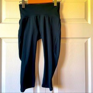 Lululemon navy crop leggings size 4